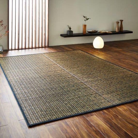 【い草-畳】イケヒコ い草ラグ カロン 黒 (M : 190×250cm, L : 190×300cm)