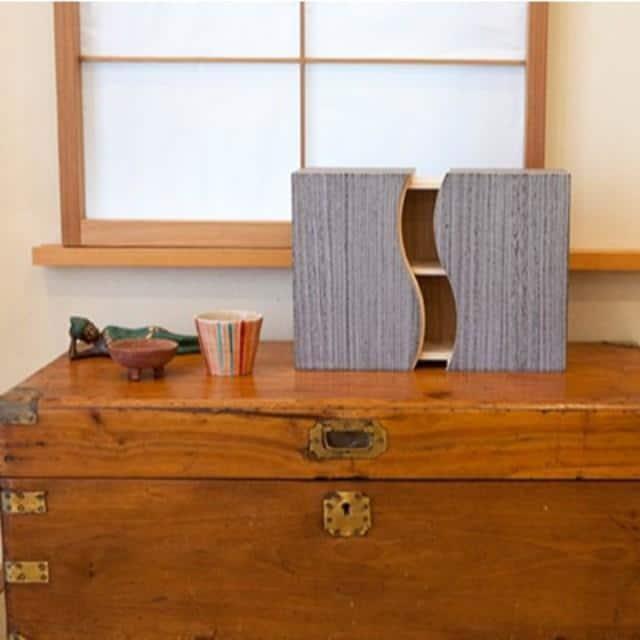 【加茂桐箪笥】想ひ凾 (野本桐凾製作所) 桐の飾り棚 (焼桐 グレー)