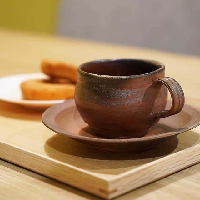 味のある備前焼の「コーヒーカップ&ソーサー」