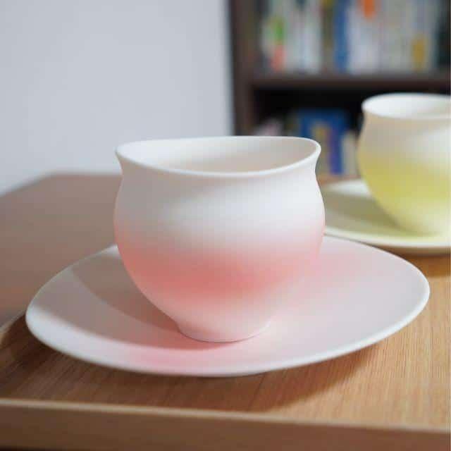 丸みのあるフォルムが可愛い「カップとお皿」
