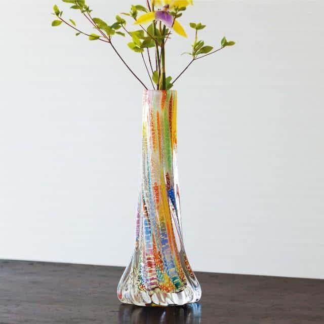 鮮やかな一輪差し専用の「花瓶」