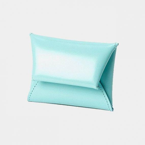2.普段から使える高級感ある財布「松坂牛革の小銭入れ」