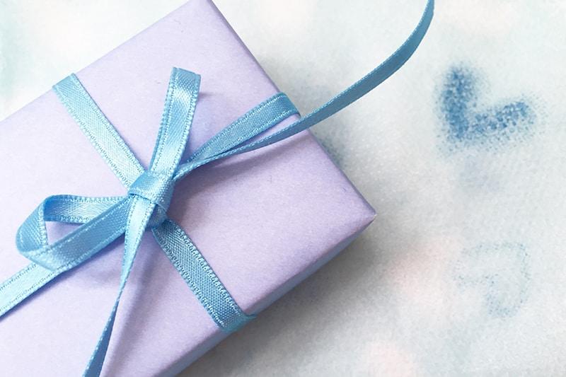 贈る人別の初任給のプレゼント39選