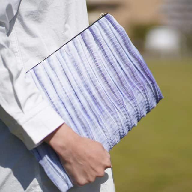 鮮やかでコーディネートのポイントになるバッグ【有松絞】