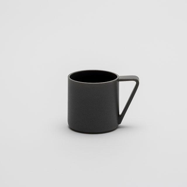 スタイリッシュでありながらも持ちやすい「マグカップ」
