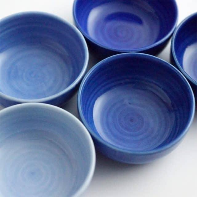 伝統的な美しい青色が魅力【肥前吉田焼】