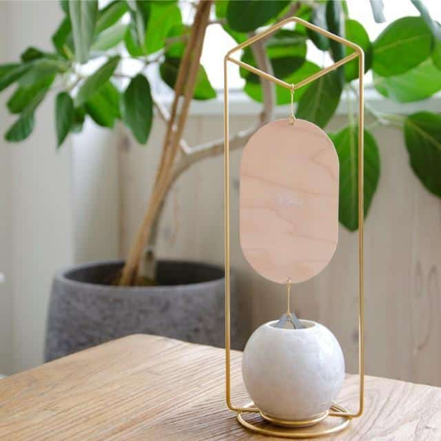 室内でも涼しい音色を楽しめる「置型風鈴」