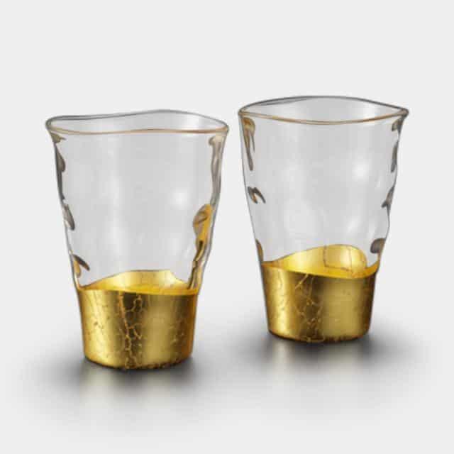 金箔の美しさを引き立てる「一口グラス」