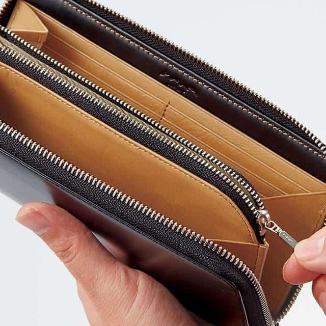 いつまでも使い続けたくなる贈り物「ラウンドファスナー長財布」