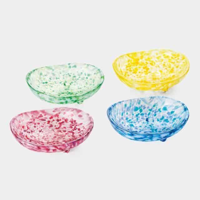 鮮やかなデザインが食卓を彩る【津軽びいどろ】