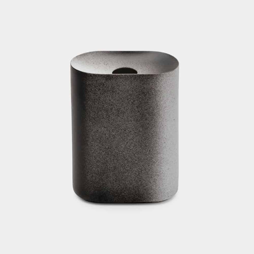 【有田焼】2016/ クーン カプート 花瓶 M (ブラック-ホワイト)