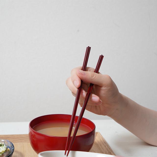 【高級箸】箸蔵まつかん モダンな若狭塗箸 hanataba urushi 赤