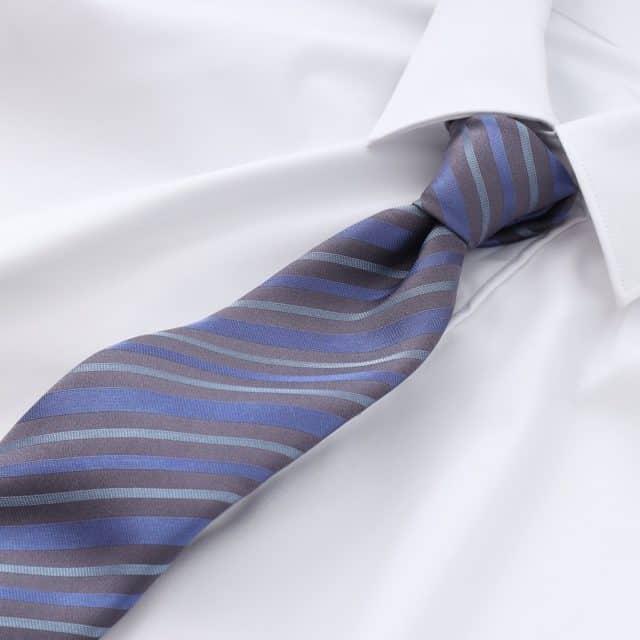 博多織の伝統と100%シルク素材の「ストライプ柄ネクタイ」