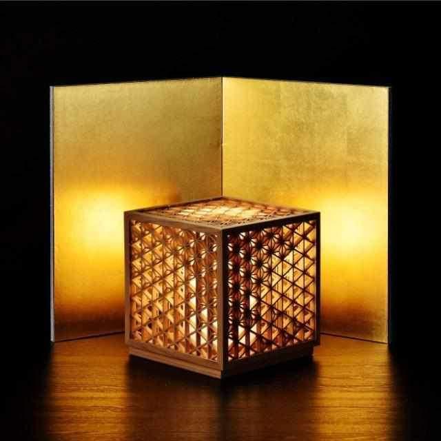 国産木材と組子細工で精工にくみ上げられた高級インテリアの「行燈」