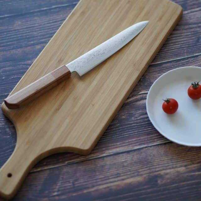 新開発素材で作られた「マダガスカルペティナイフ」