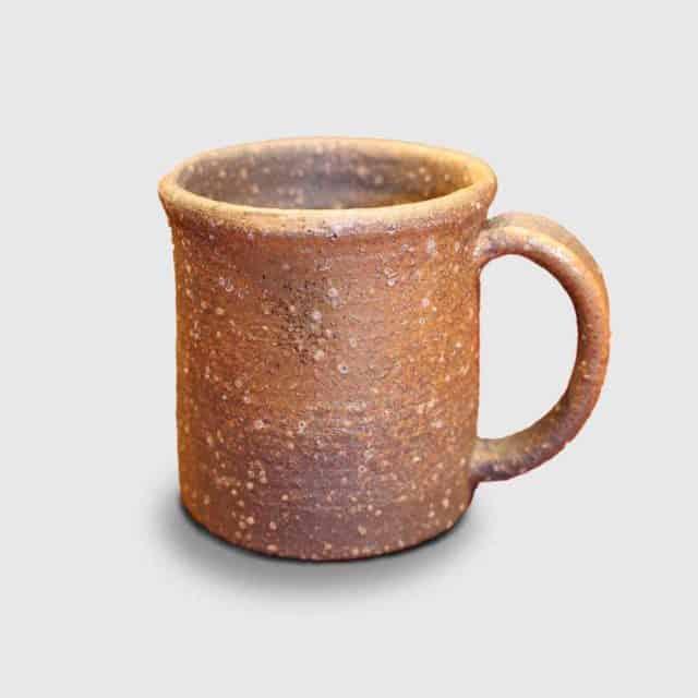 土の質感が温かい「伊賀焼 ましの窯 焼締 マグカップ」