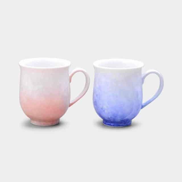 青と赤のグラデーションが素敵な「京焼-清水焼 花結晶 (白地青赤) マグカップ2点セット」